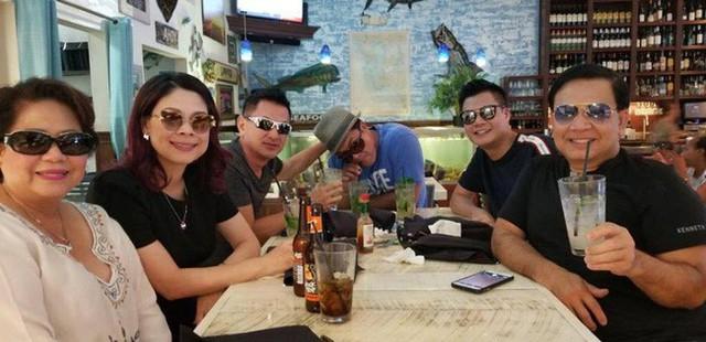 Vợ chồng Thanh Thảo tranh thủ gặp gỡ bạn bè trong kỳ nghỉ.