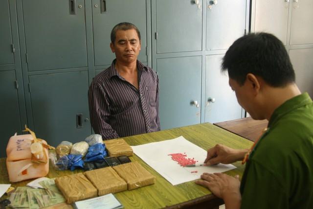 Đối tượng buôn ma túy liên tỉnh bị bắt giữ.