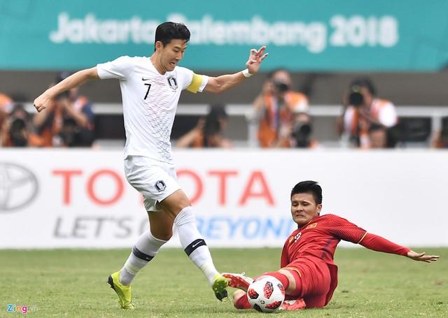 Quang Hải có bàn thắng đáng nhớ vào lưới Olympic Nhật Bản. Ảnh: Hoàng Hà.