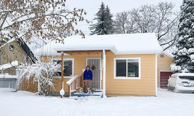 Ngôi nhà vẫn ấm cúng và đẹp bình yên trong những ngày mưa tuyết.