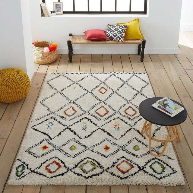 3. Với bầu không khí mang đậm chất Bohemian thì việc đặt một tấm thảm với họa tiết nhẹ nhàng, đơn giản sẽ mang đến cho không gian nét đẹp thanh bình, giản dị.