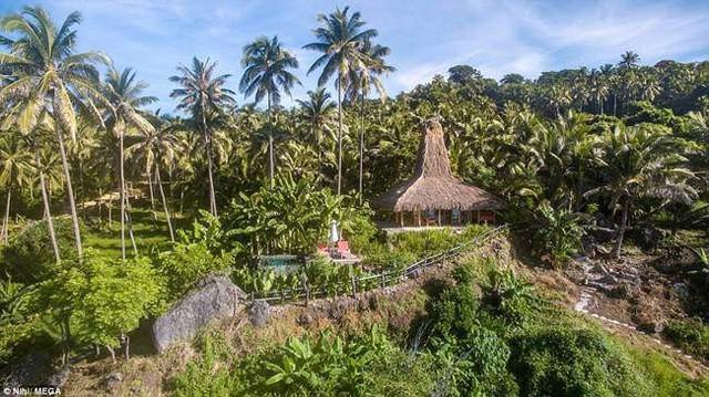 Ngoài ra, du khách còn được trải nghiệm đi ngắm cảnh, đạp xe leo núi.