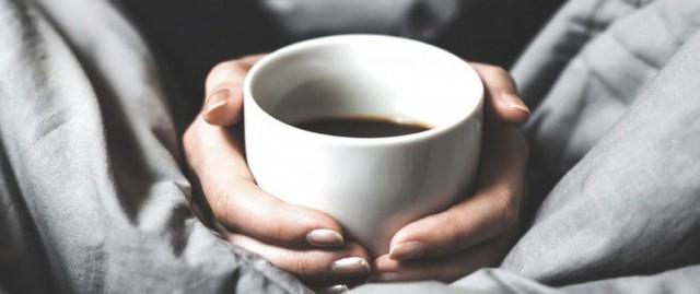 4 dấu hiệu cảnh báo khi uống nhiều cà phê - Ảnh 1.