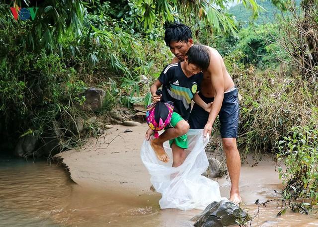 Giúp người dân đi lại thuận tiện, trẻ em đi học bớt nguy hiểm, khó khăn.