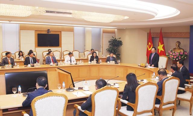 Phó Thủ tướng Phạm Bình Minh gặp mặt các doanh nghiệp hỗ trợ và đồng hành cùng Hội nghị Wef Asean 2018.