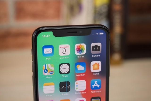 Thời lượng pin lâu là điều nhiều người dùng iPhone mong muốn. ẢNH: AFP