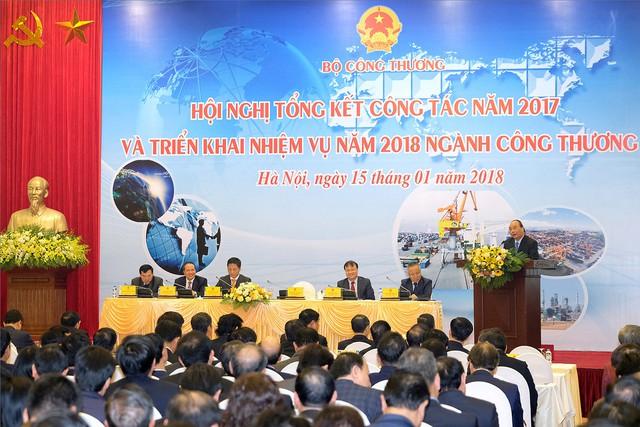 """Thủ tướng Nguyễn Xuân Phúc: Ngành Công thương phải tránh tình trạng """"đẽo cày giữa đường"""""""