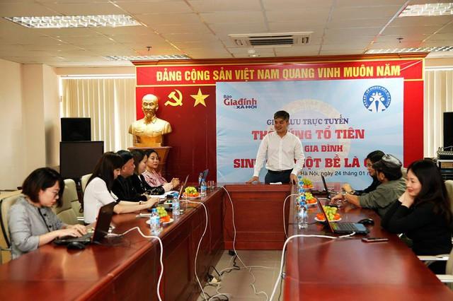 Phó Tổng biên tập Báo điện tử Gia đình và Xã hội - giadinh.net.vn và các khách mời đang tham gia giao lưu cùng bạn đọc.