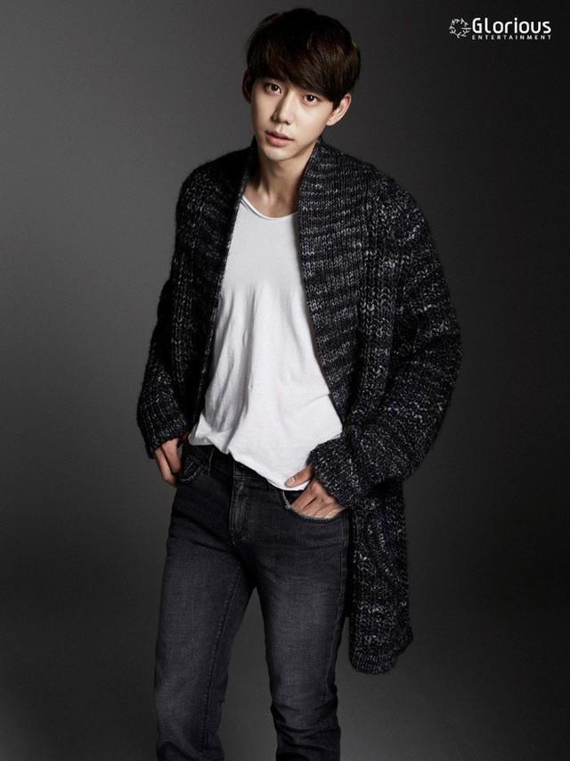 Jin Ju Hyung là diễn viên Hàn Quốc điển trai, sở hữu hình thể ấn tượng.