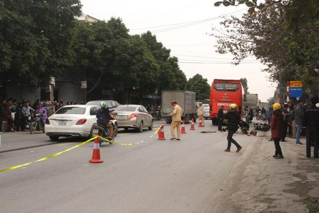 Sau cú va chạm mạnh với xe khách, tài xế xe máy tử vong tại chỗ