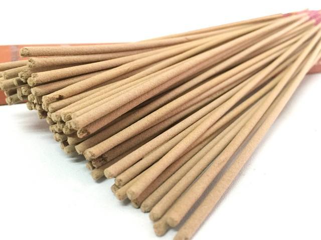Nếu không muốn nhà ngày Tết ngập khói hương trầm giả thì phải nắm rõ cách nhận biết hương trầm thật sau