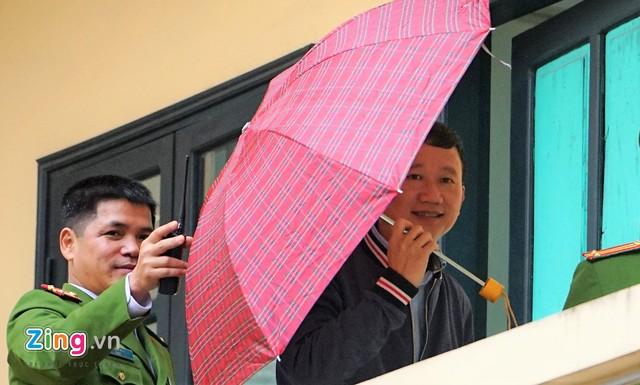 Nụ cười hiếm hoi của ông Trịnh Xuân Thanh. Ảnh: Zing
