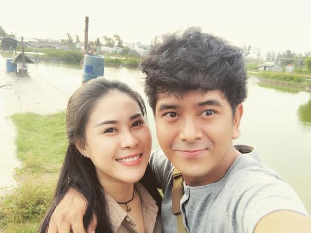Hùng Thuận và bạn gái xinh đẹp.