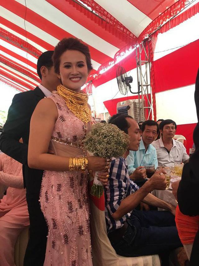 10 đám cưới Việt trong năm 2017 không phải của sao showbiz nhưng cực kỳ xa hoa khiến MXH nô nức chỉ dám nhìn không dám ước - Ảnh 43.