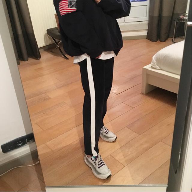 Các nàng sẽ mặc gì nếu một ngày thấy chán quần jeans?