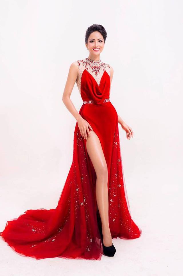 Mới đăng quang được 1 ngày, dân tình đã soi ra Tân Hoa hậu H'Hen Niê từng đụng hàng cả Kỳ Duyên lẫn Lan Khuê