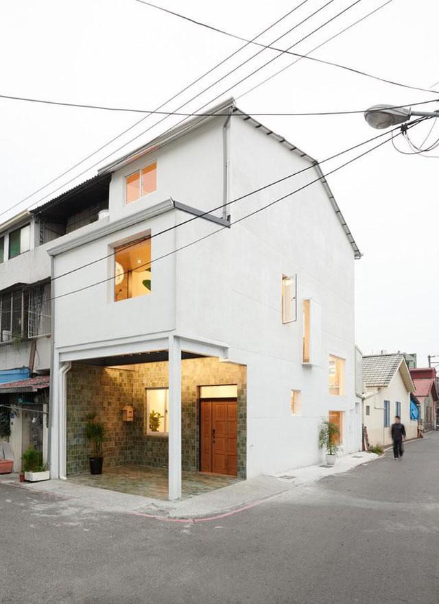 Căn nhà này được xây dựng trên một mảnh đất rộng vỏn vẹn 35m2, tọa lạc ở Pingtung, Đài Loan.