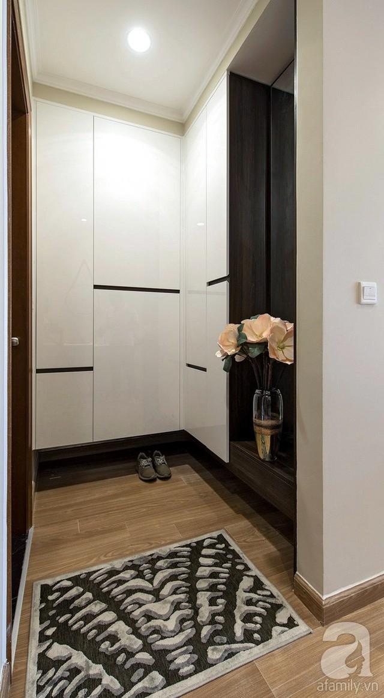 Những gam màu giản dị nhất, thân thuộc nhất được kết nối hài hòa tạo nên vẻ đẹp gần gũi cho mọi người ngay từ khi bước vào nhà.