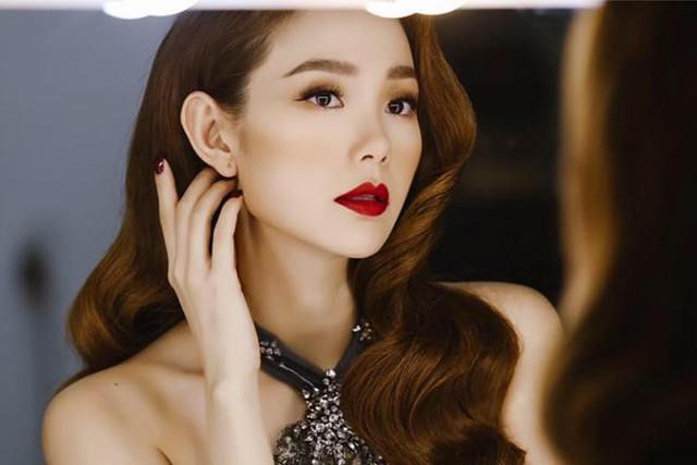 Vị trí hiện tại của Minh Hằng trong showbiz là mơ ước của rất nhiều người.