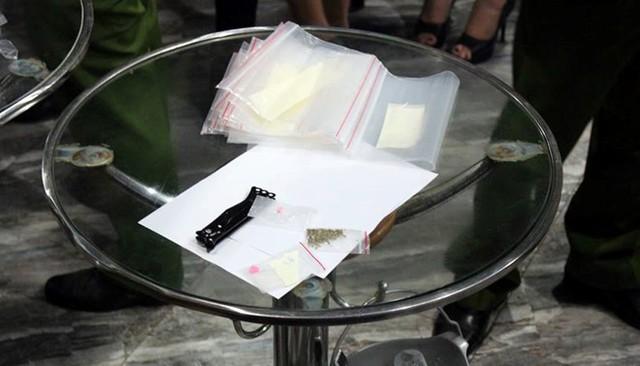 Túi nylon chứa ma túy tổng hợp. Ảnh: N.A.