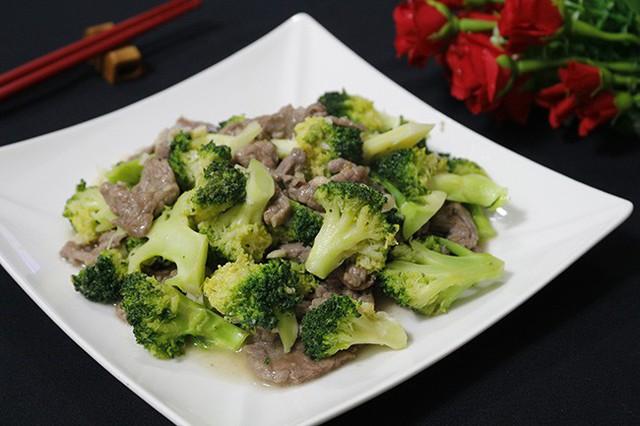 Bò xào bông cải ngon xuýt xoa, ghét rau đến mấy cũng chén sạch