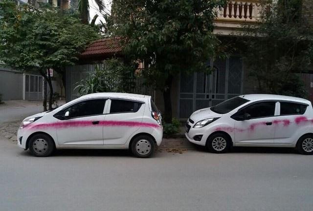 Hàng loạt xe hơi ở Hà Nội bị đối tượng lạ phun sơn trong đêm