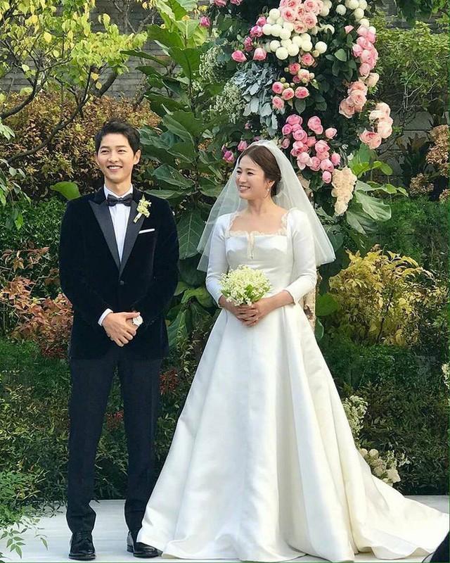 Lý do Song Hye Kyo khóc trong lễ cưới được bạn thân tiết lộ