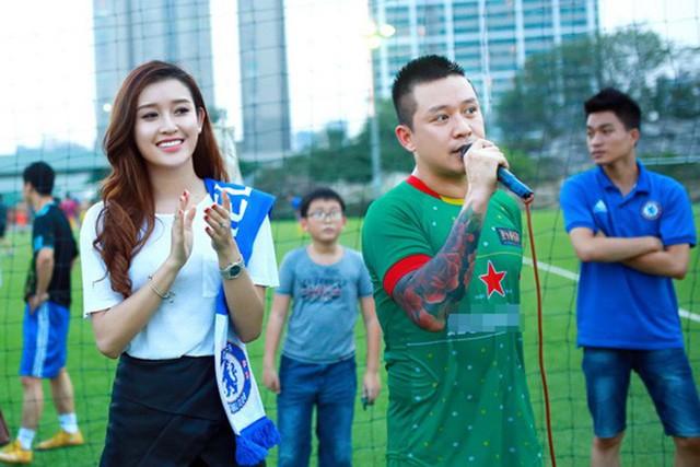 Theo Tuấn Hưng, khán giả hâm mộ không nên đặt nhiều kỳ vọng vào đội tuyển mà nên để các cầu thủ thoải mái tâm lý thi đấu.