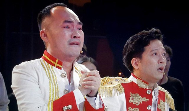 Tiến Luật bật khóc khi đội tuyển Việt Nam ghi bàn thắng gỡ hòa 2-2.