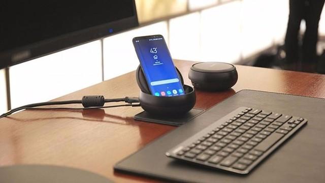 Samsung Dex giúp biến điện thoại thành máy tính. Ảnh: Samsung