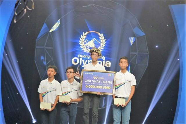 Trần Nhân Quyền, học sinh lớp 11 Trường TH School vừa đạt giải nhất Cuộc thi tháng 12 của Đường lên đỉnh Olympia 2018