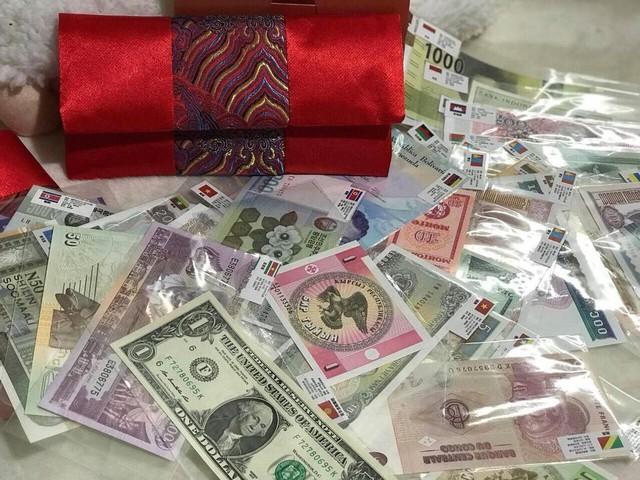 Nhiều người bỏ ra tới cả nửa triệu đồng để mua set tiền này về làm tiền lì xì Tết
