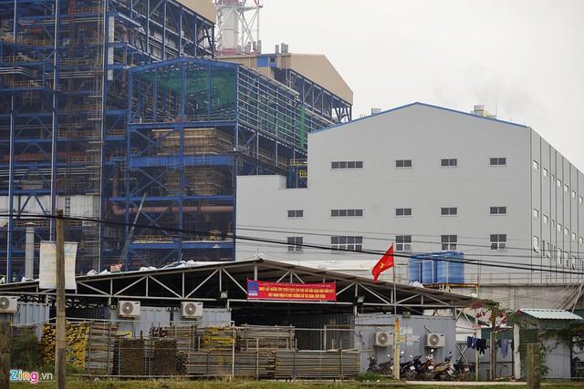 Phải đến tháng 10/2011, PVN và PVC mới hoàn tất thủ tục pháp lý, ký lại hợp đồng EPC nhưng trước đó nhiều tháng, Tập đoàn Dầu khí đã tạm ứng cho PVC hơn 6,6 triệu USD và 1.300 tỷ đồng.