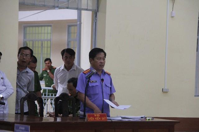 Đại diện VKS công bố mức án dành cho bị cáo Hữu Bê.
