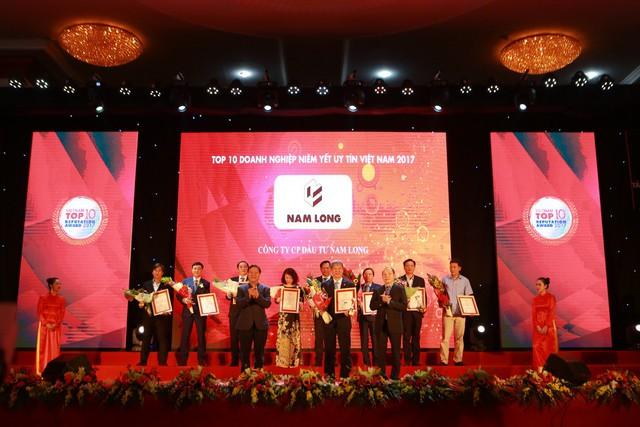 Vinh danh Top 10 doanh nghiệp niêm yết uy tín Việt Nam 2017