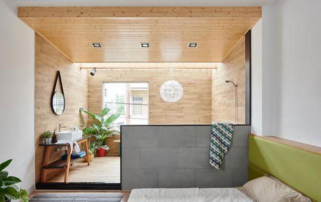 Tầng trên cùng là phòng ngủ và phòng tắm.