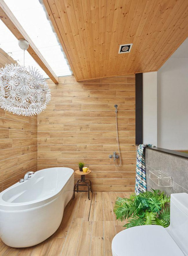 Phòng tắm được bài trí đẹp không kém gì resort