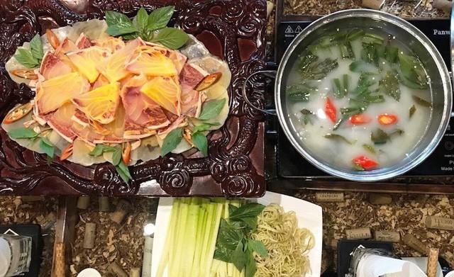 Cá hô nhúng mẻ là món ăn khoái khẩu của nhiều đại gia.
