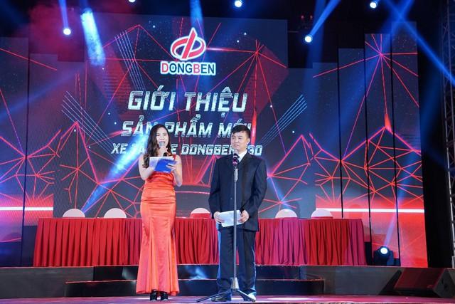 Tổng Giám đốc Trịnh Đức Hồng vui mừng thông báo doanh số bán hàng năm 2017 cán mốc 2874 xe, tăng trưởng 50%