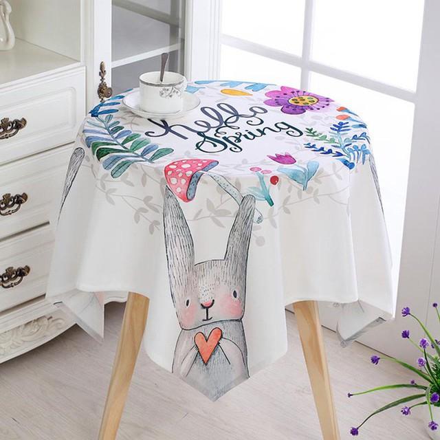 Những mẫu khăn trải bàn được thiết kế với nhiều hình dạng khác nhau đáp ứng nhu cầu sử dụng của các gia đình.