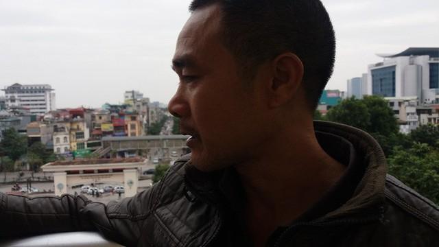 Anh Hòa buồn bã nói về việc vợ mình bị bệnh do dùng thực phẩm chức năng