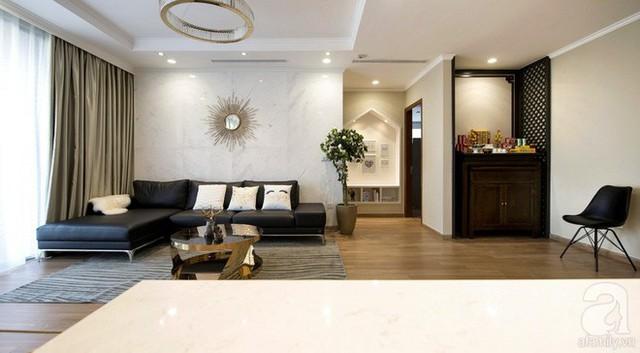 Sàn gỗ được thiết kế từ trước, là màu nền để các kiến trúc sư khéo léo pha trộn các sắc màu cùng tông, hài hòa và cân đối trong tổng thể không gian.