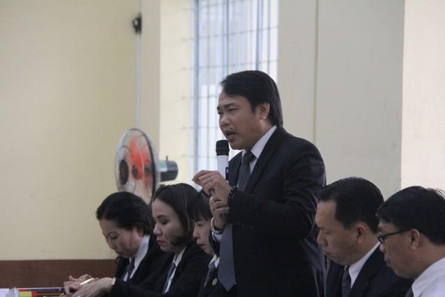 Luật sư Nguyễn Thanh Thanh bào chữa cho bị hại tranh luận tại tòa.