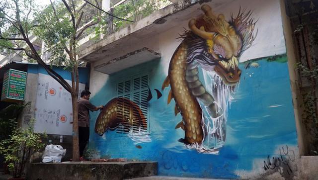 Các họa sĩ đã mang nghệ thuật vẽ phun sơn hiện đại (Graffiti) vào tác phẩm Rồng - linh vật đứng đầu trong Tứ linh: Long - Lân - Quy - Phụng.