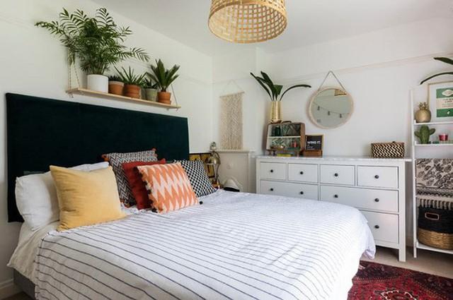 Bạn cũng có thể thêm cây xanh phía trên đầu của bạn giống như những gì họ đã làm cho phòng ngủ này.