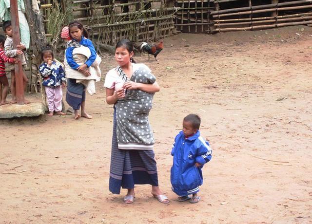 Tỷ lệ sinh con thứ 3 gia tăng mạnh ở một số địa phương của Quảng Bình, đặc biệt là vùng đồng bào dân tộc thiểu số, vùng sâu, vùng xa, ven biển. Ảnh: T.H