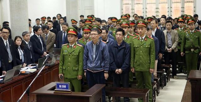 Trịnh Xuân Thanh (hàng đầu) và các bị cáo trong vụ án - Ảnh: TTXVN