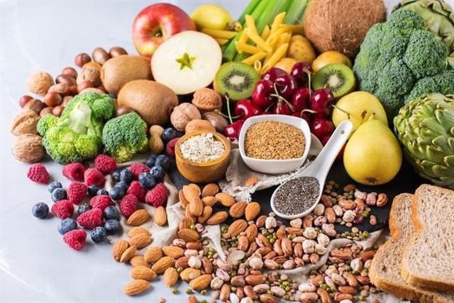 Các loại rau quả, hạt được sử dụng nhiều trong chế độ ăn kiêng này