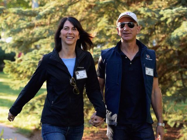 MacKenzie Bezos quen chồng khi là một cô sinh viên mới tốt nghiệp.