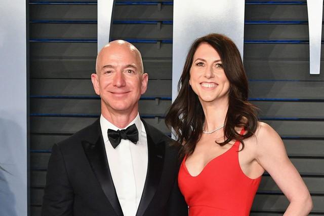 CEO tập đoàn Amazon Jeff Bezos và vợ MacKenzie Bezos sẽ ly dị sau 25 năm chung sống. Ảnh: Getty.